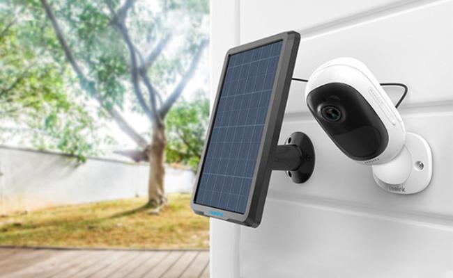 دوربین های امنیتی خورشیدی در فضای باز